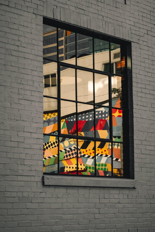 Transformér et rum med New Yorker vinduer